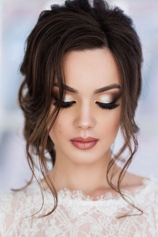 Women Wear Make-up